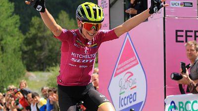 Giro rosa: tappa e maglia a Van Vleuten