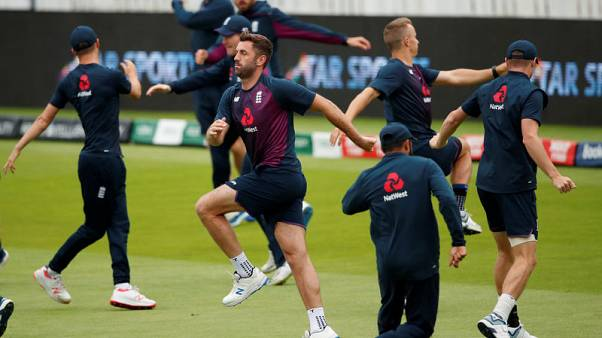 England wait on pitch before naming bowling attack