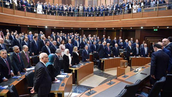 تقارير محلية: برلمان لبنان يستهدف خفض عجز الميزانية أكثر