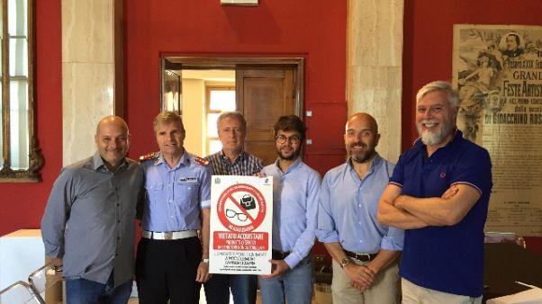 Litorale Pesaro,stop ad acquisti abusivi