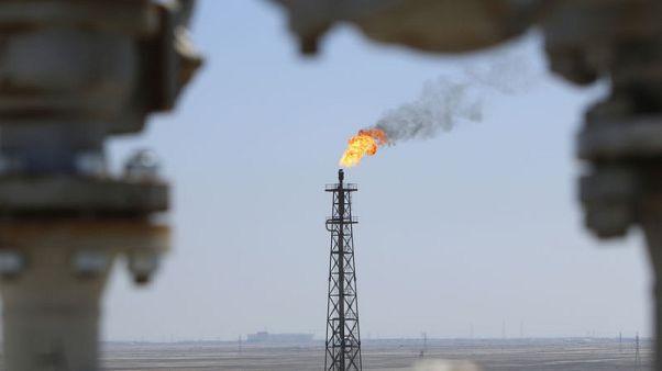 مسؤولان: إخماد حريق في مصفاة بجنوب العراق والعمليات لم تتأثر