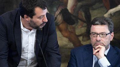 Giorgetti, c'è chi scredita Salvini