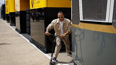 """F1: Hamilton """"Ferrari fa passi avanti"""""""