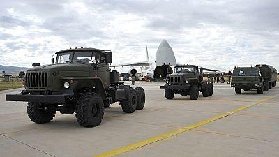 روسيا تبدأ تسليم منظومة صواريخ إس400 لتركيا في تحد لحلف الأطلسي