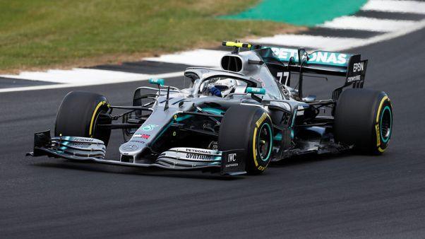 بوتاس يتفوق على هاميلتون في تجارب سباق بريطانيا لفورمولا 1