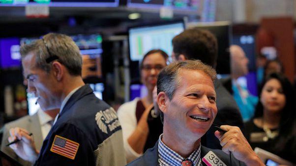 بورصة وول ستريت تسجل مستويات قياسية مرتفعة بدعم من توقعات خفض الفائدة
