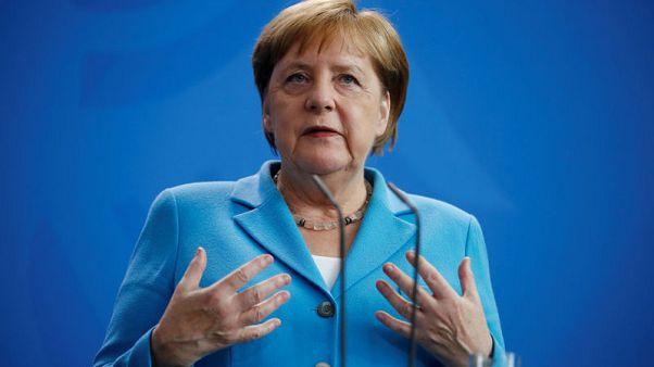 استطلاع: أغلب الألمان يعتبرون أن صحة ميركل شأن خاص بعد إصابتها بنوبات ارتعاش