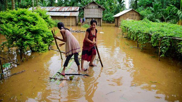 مقتل 10 على الأقل وتشريد نحو مليون إثر أمطار غزيرة وسيول في ولاية أسام بالهند