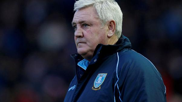 Bruce confirms talks with Newcastle over managerial vacancy