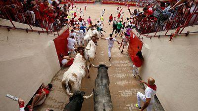 Eight hospitalised on last day of Pamplona bull-run