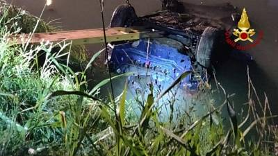 Auto in canale,morti 4 giovani a Jesolo