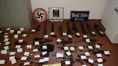 Sequestrato arsenale a estremisti destra