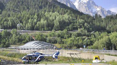 Cade per 450 mt sul Monte Bianco, morto
