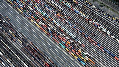 EU goods trade gaps with U.S. and China widen