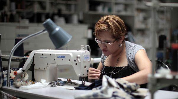 ناتج المصانع الأمريكية يرتفع للشهر الثاني في يونيو
