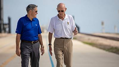 Apollo 11 astronaut returns to launch pad where first humans lifted off for the moon