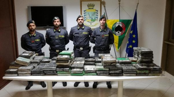 Sequestro 270 kg coca in porto G.Tauro