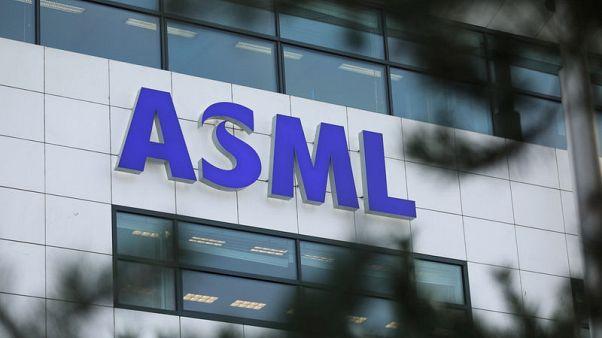 ASML's second quarter profit margin tops estimates, retains annual outlook