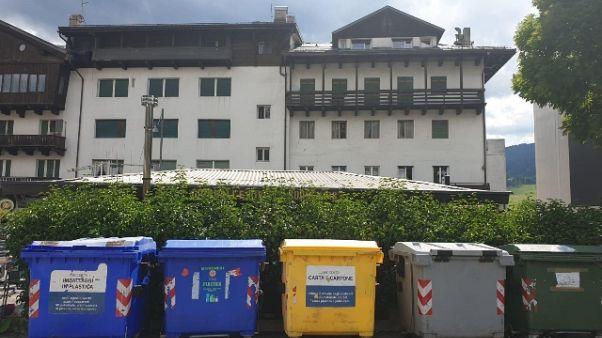 Cortina 'plastic free' cerca abitanti