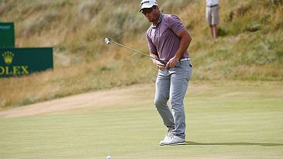 Fox storms home in 29 shots to equal back nine record at British Open