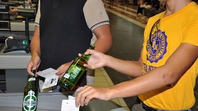 Documenti falsi per bere alcolici