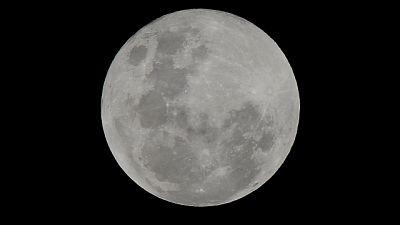 Luna: Mattarella, serve cura del pianeta