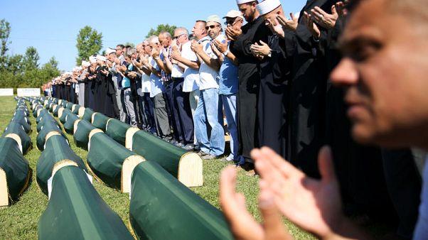 البوسنة تدفن رفات 86 مسلما من ضحايا الحرب بعد 27 عاما من مقتلهم