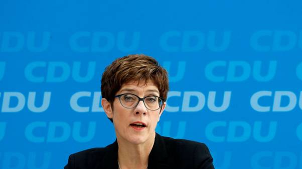 استطلاع: تراجع التأييد لوزيرة الدفاع الألمانية الجديدة