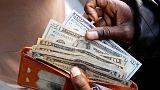 الدولار يرتفع لأعلى مستوى في أسبوعين بعد اتفاق الدين الأمريكي