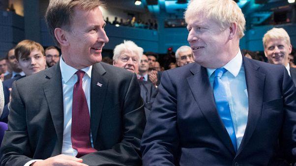 سكاي نيوز: وزير الخارجية البريطاني هنت يرفض تولي وزارة الدفاع