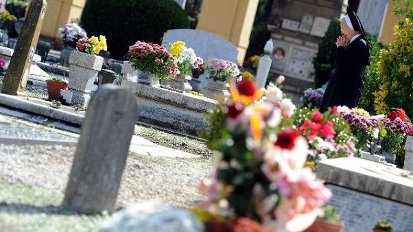Sindaco Tropea,no fiori freschi cimitero