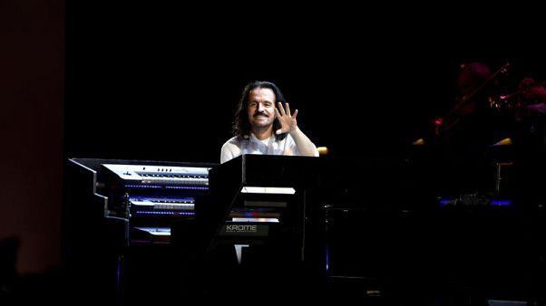 الموسيقي العالمي ياني ينشر الفرح في وسط بيروت