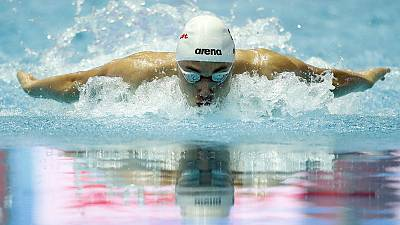 Hungarian teen smashes Phelps record, Peaty does double