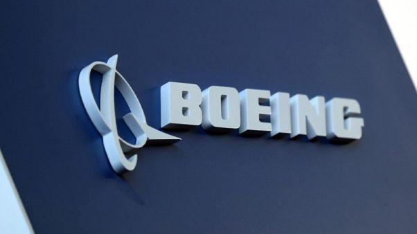 الرئيس التنفيذي: بوينج قد توقف إنتاج 737 أو تخفضه إذا تأخرت عودتها