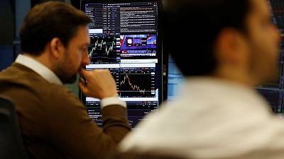 FTSE 100 flat after mixed corporate earnings