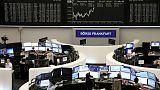 أسهم أوروبا تفتح مرتفعة بدعم تقارير شركات قبل اجتماع المركزي