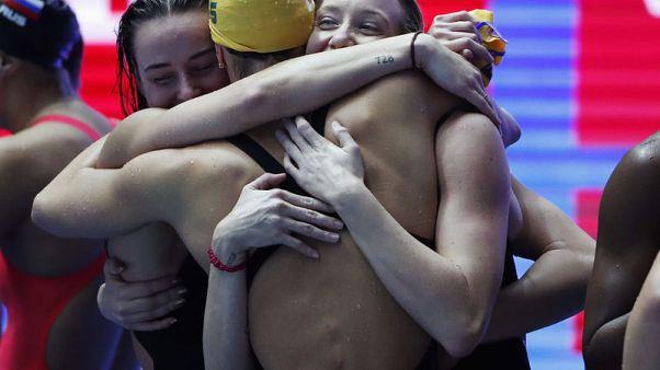 استراليا تسجل رقما عالميا جديدا بسباق أربعة في 200 متر تتابع حرة سيدات
