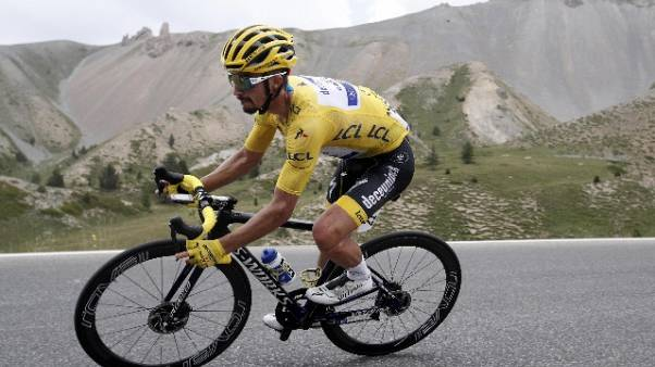 Tour: Alaphilippe resta in giallo