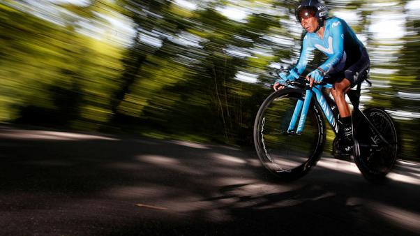 Quintana takes stage as fellow Colombian Bernal gains time