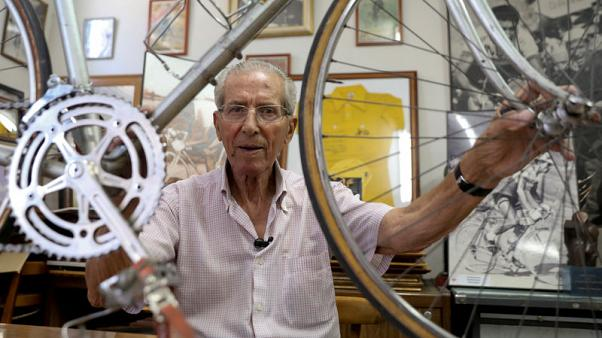 Tour champion Bahamontes laments demise of 1950s-style racing
