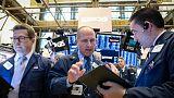 الأسهم الأمريكية تهبط بعد خيبة أمل في النتائج وتصريحات دراجي
