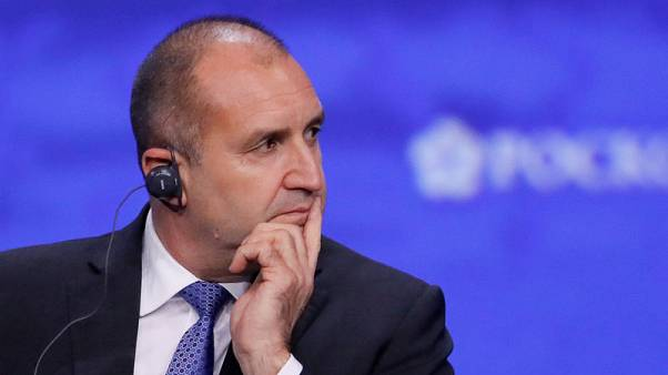 Bulgaria parliament overturns presidential veto on F-16s deal