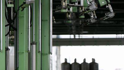 مستوردو غاز البترول المسال في اليابان يتوقعون شح الإمدادات الأمريكية بسبب توتر الشرق الأوسط