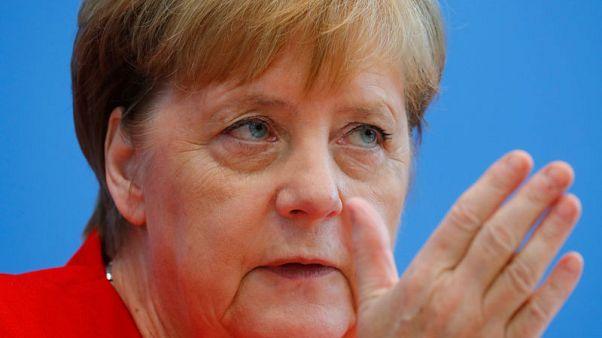 متحدثة: ميركل تدعو جونسون لزيارة برلين