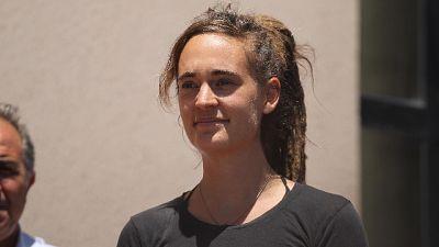 Post solidale con Carola, insulti su Fb