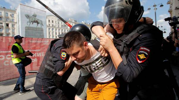 Russia detains more than 800 people in opposition crackdown