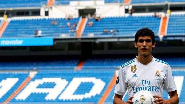 ولفرهامبتون يضم فاييخو مدافع ريال مدريد على سبيل الإعارة