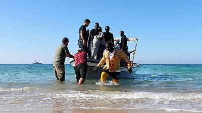 عامل إغاثة: انتشال 55 جثة لمهاجرين من قارب انقلب قبالة سواحل ليبيا