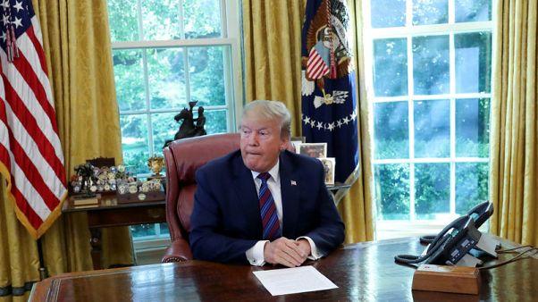 تراشق حاد بالألفاظ بين ترامب ونائب ديمقراطي من أصل أفريقي