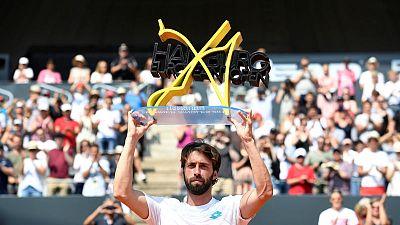 Basilashvili outlasts Rublev to defend Hamburg title